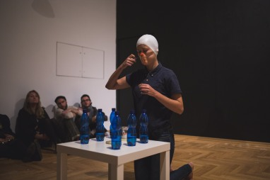 Under pressure, performance by Kamila Wolszczak, phot. Yulia Krivich